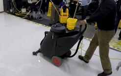 Remove Solution with Wet Dry Vacuume