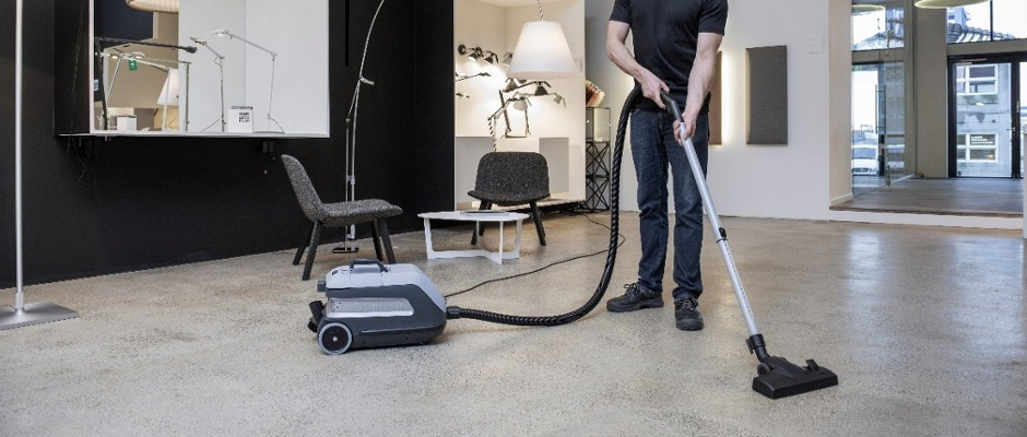 3 Best Vacuums For Hard Floors: A Comprehensive Review [VIDEO]