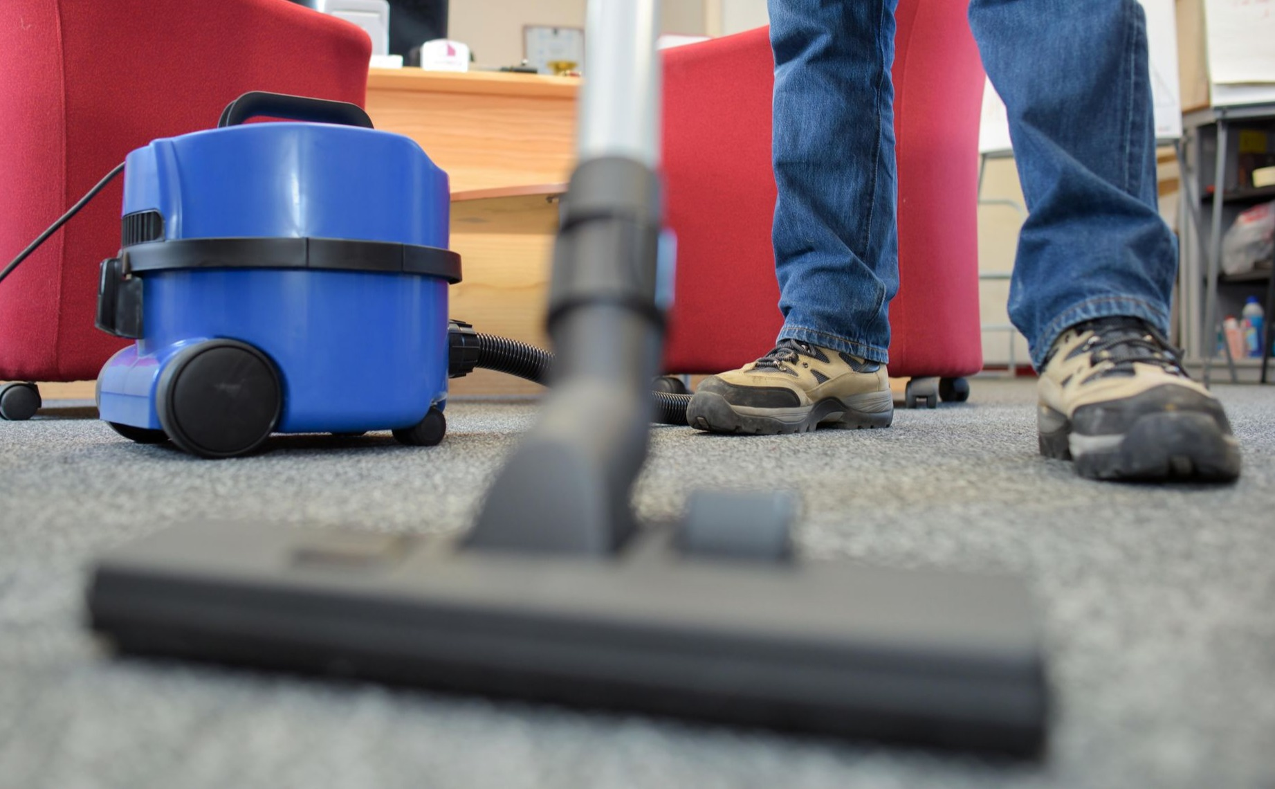 Best Vacuums for Commercial Carpet: A Comprehensive Review